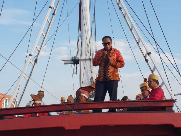 ORASI KEBANGSAAN : LAUT DAN MARITIM DALAM MENATAP INDONESIA MASA DEPAN
