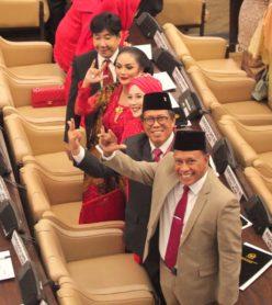 Pelantikan Bung Komar jadi Anggota DPR MPR RI 2019-2024
