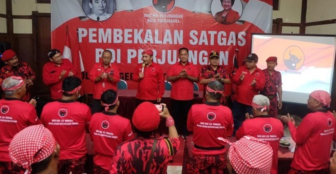 Pembekalan Satgas PDI Perjuangan oleh Bung Komar