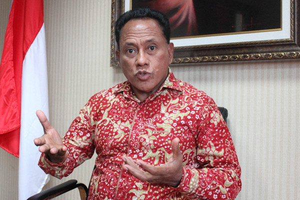 Komarudin Watubun: Jangan Panik Hadapi Virus Corona